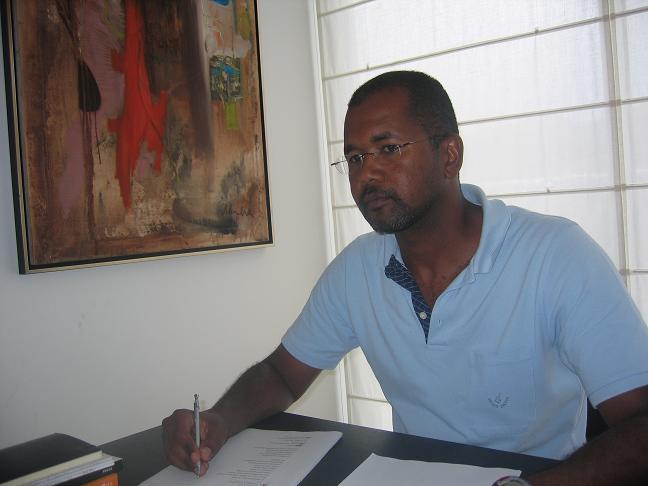 António Neves, um imigrante, essencialmente, ilhéu. Conheça esse engenheiro que reside nos Açores desde 2001. É natural de Cabo Verde