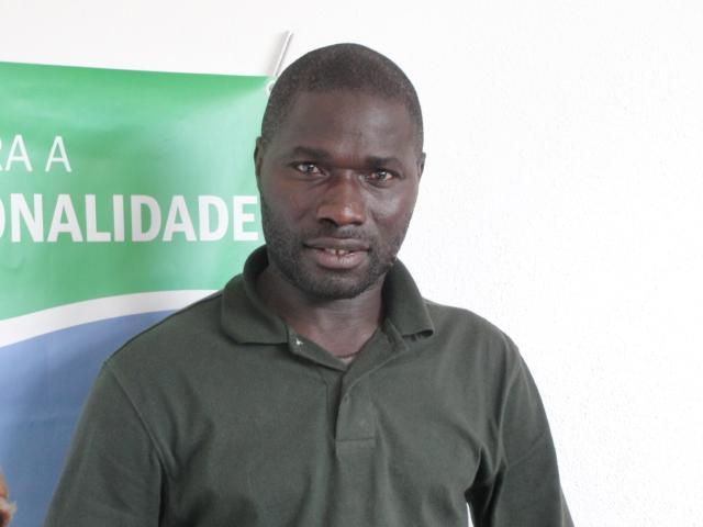 Nasceu na Argélia e cresceu na Guiné-Bissau